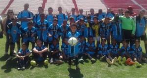 Oficina de futebol do CRAS leva alunos para conhecer campos em Sete Lagoas