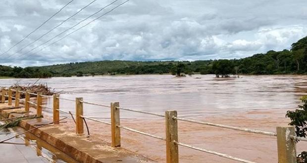ATENÇÃO: ponte sobre o Rio das Velhas continua interditada